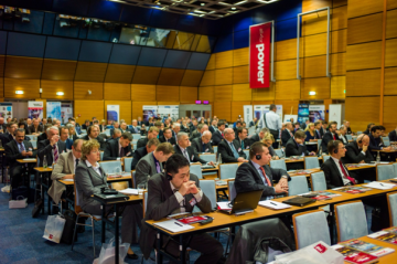 Zaplněný sál konference All for Power 2013