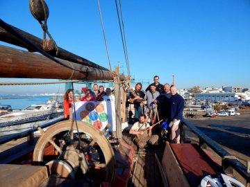 Na palubě české lodi La Grace
