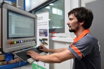 CNC řezací laser FeiCut