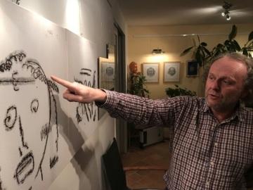 První průtočná vernisáž obrazů ze sbírky Jaroslava Duška proběhla v pondělí v Galerii měsíčníku Regenerace