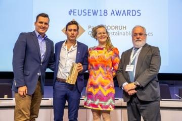 EU Sustainable Energy Award získali Pavel Podruh a Jakub Hořický z projektu Český ostrovní dům