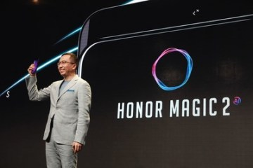 George Zhao, prezident společnosti Honor, představuje Honor Magic 2 na akci Honor Play v Berlíně (PRNewsfoto/Honor)