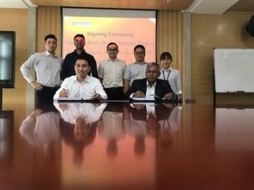 Risen Energy a Surya Prakash Vietnam Energy při podpisu smlouvy