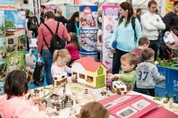 VÁNOČNÍ DĚTSKÁ PLANETA, svět hraček, her a dětských potřeb