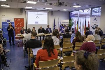 Na tiskové konferenci v Praze byl vyhlášen již pátý ročník Ceny Nadace Vodafone Rafael Foto: Václav Winter