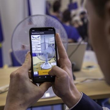 K nastavení ústní myši stačí vyfotit zařízení, které má ovládat