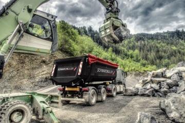 Schwarzmüller zvyšuje výrobu v Žebráku