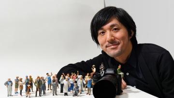 Japonský umělec a mistr miniatur Tatsuya Tanaka