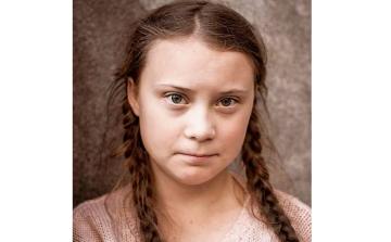 Greta Thunberg, teprve šestnáctiletá Švédka a aktivistka protestující za záchranu klimatu
