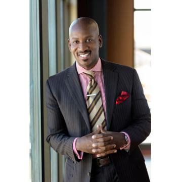 Irvin Bishop, Jr., výkonný viceprezident pro digitální a strategické plánování, Young Living Essential Oils