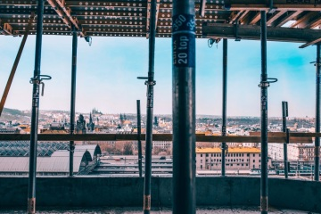 Rezidence Churchill - hrubá stavba - výhled na panorama Prahy