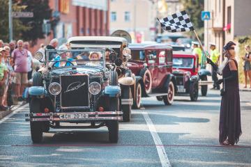 Předposlední prázdninový víkend je v Kutné Hoře tradičně vyhrazen milovníkům automobilových veteránů