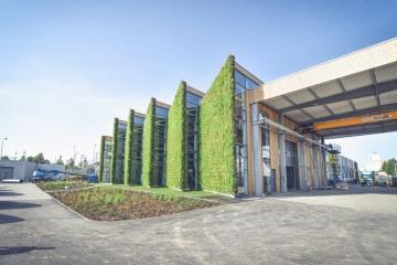 První živá průmyslová hala, která byla postavena v areálu firmy LIKO-S ve Slavkově u Brna