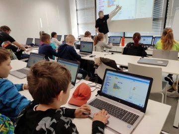 Společnost SAP opět vzdělává v oblasti programování