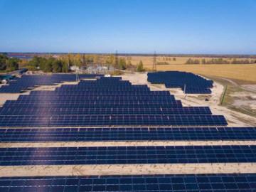 Elektrárna Starosynyavskyj o výkonu 5,6 MW poháněná výhradně oboustrannými moduly NTOPCon společnosti Jolywood