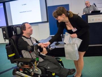 V roce 2017 získal první cenu v literární soutěži Internet a můj handicap Richard Bureš.
