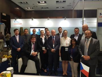 Tým CzechTrade spolu s českými exportéry a členy ambasády na vodohospodářském veletrhu v Johannesburgu.