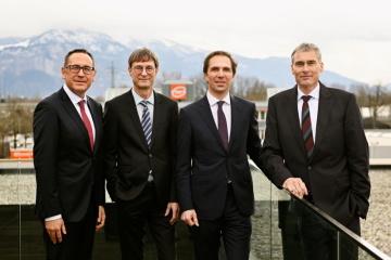 Vedení společnosti Gebrüder Weiss (zleva): Jürgen Bauer, Peter Kloiber, Wolfram Senger-Weiss (předseda) a Lothar Thoma (zdroj: Gebrüder Weiss/Gnaudschun/únor 2020)