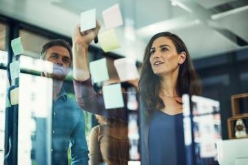 ABSL, University of New York in Prague a Hackett Institute spouští MBA program zaměřený na podnikové služby