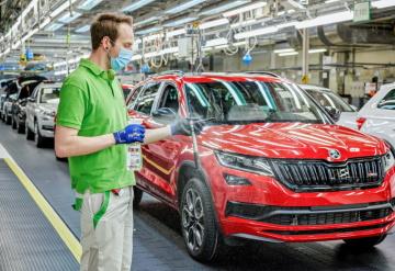 Za projekt ANTICOVID-19, který cílí na ochranu zdraví více než 36 tisíc zaměstnanců, získala automobilka ŠKODA AUTO Cenu personalistů za nejlepší projekt v řízení lidských  zdrojů v roce 2020.