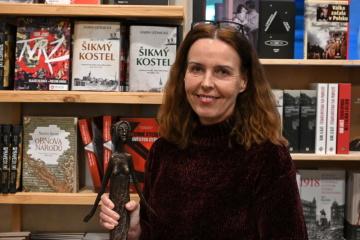 Autorka Karin Lednická s oceněním Český bestseller za rok 2020