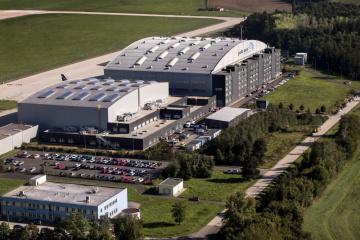 JAT - pohled na hangáry