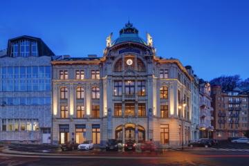 Palác SPARKASSE v Karlových Varech jde do dražby